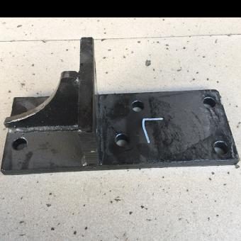 Truck Parts Bracket Engine Rear Support